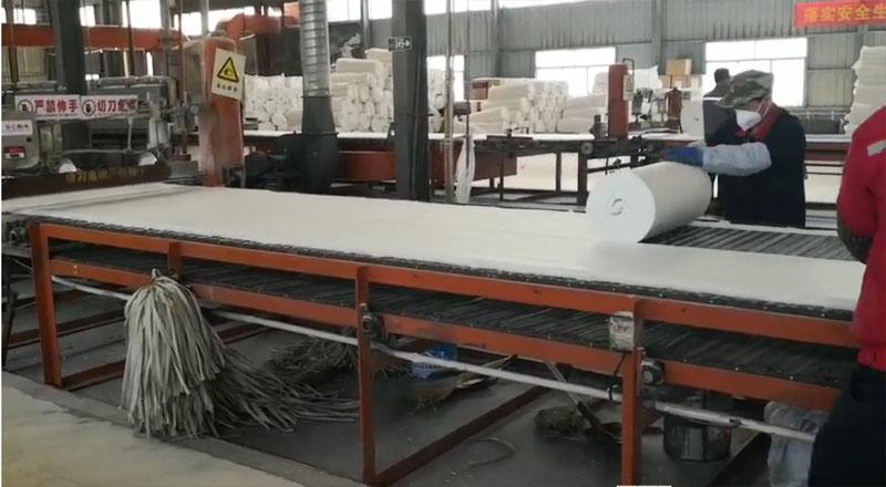 陶瓷纤维毯( 硅酸铝纤维毯)加工车间